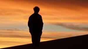 Sollte man solch einen Sonnenuntergang allein genießen? Nein - mit einem Partner an der Seite kann man noch vieles mehr teilen.